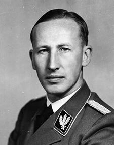Reinhard Heydrich – Vice-gouverneur de Bohême-Moravie – Directeur du RSHA – Président d'Interpol – Directeur de la Gestapo.